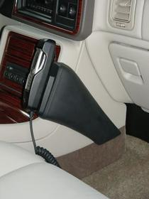 Konsola KUDA pod tel. do Cadillac Escalade od 2003 do 2006