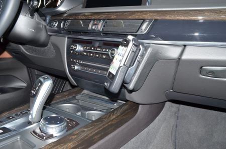 Konsola KUDA pod telefon do BMW X5/X6 ab 2013 F15/F16 (1)
