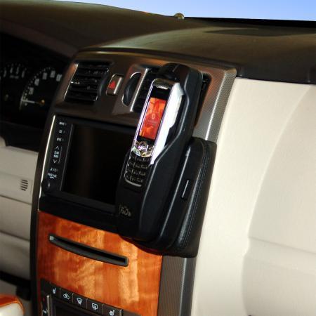Konsola KUDA pod tel. do Cadillac XLR od 2005 ( USA )  (1)
