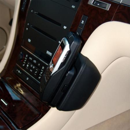 Konsola KUDA pod tel. do Cadillac Escalade od 2007 (USA)  (1)